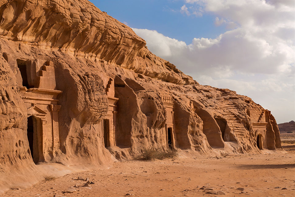 madain saleh The extraordinary madain saleh is home to 131 tombs, 45 of which carry inscriptions in late aramaic script above the entrance these inscriptions detail the tomb's.